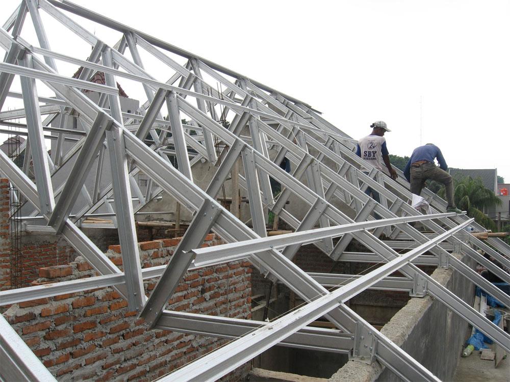 Konstruksi Atap Baja, Kokoh dan Tahan Cuaca ataupun Rayap