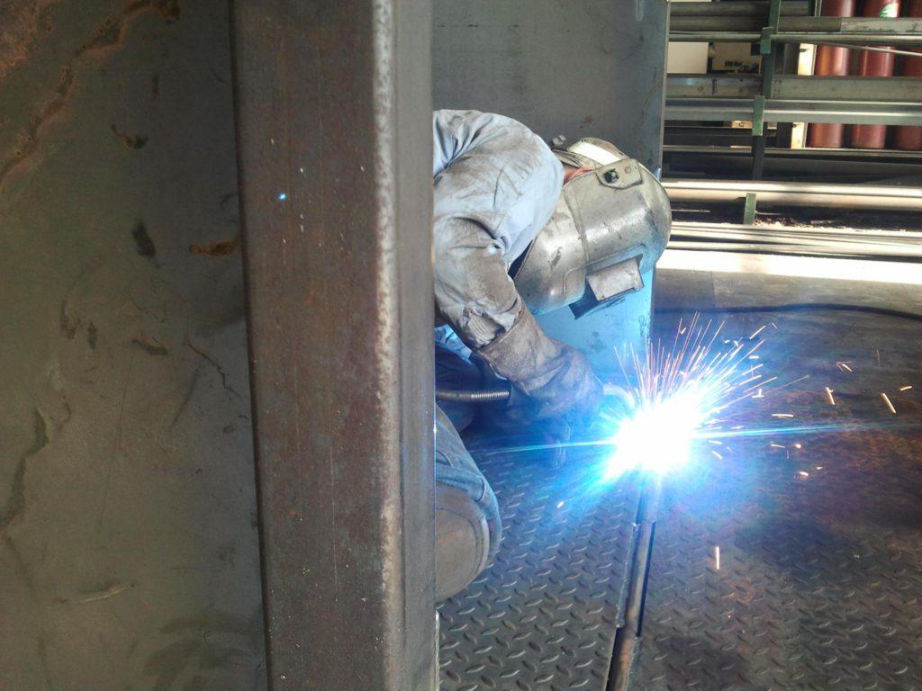 fabrikasi baja
